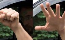 Встречный водитель сжимает и разжимает кулак. Что это значит на водительском языке?