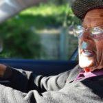 До какого возраста разрешено водить машину?