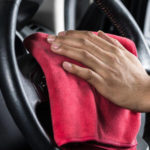 Как легко и дешево очистить руль до нового состояния