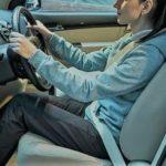 Зачем отодвигать водительское кресло как можно дальше?