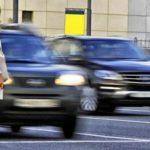 Нужно ли пропускать пешехода, если он идет далеко по пешеходному переходу?