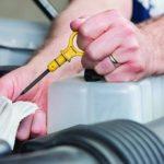 Как правильно проверять уровень масла. На горячем или на холодном двигателе?