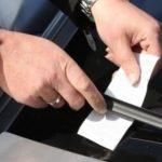 Новый развод автомобилистов с помощью записки. Как защититься?