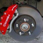 О чем говорит красный суппорт тормозной системы?