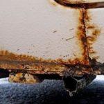 Простой способ убрать ржавчину с низов дверей автомобиля