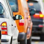 Не впустил автомобиль обгоняющий пробку по встречке: Нарушение или все по закону?