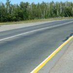Желтая линия разметки с правой стороны дороги. Что будет, если ее пересечь?