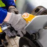 Знакомый автозаправщик рассказал почему надо заправляться литрами, а не на определенную сумму денег