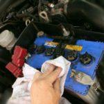 Знакомый автоэлектрик подсказал как подготовить аккумулятор к надвигающимся холодам чтобы он не подвел