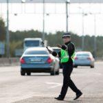 Что обязан в 2021 году делать инспектор ГИБДД при остановке автомобиля