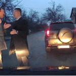 Что лучше возить в машине для самообороны, чтобы отбиться от противника, но не покалечить его