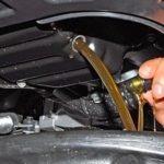 Менял масло в двигателе, а оно почти не почернело. Расскажу, каких проблем можно ждать