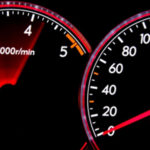 Внимательнее следите за скоростью и оборотами двигателя, Моторист рассказал, как это влияет на состояние мотора