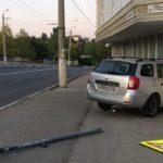 Лихач спровоцировал ДТП и так как касания не было, быстро уехал. Инспектор признал его виновником